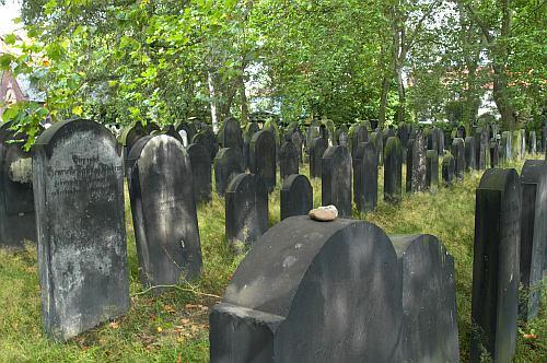 http://www.hannover-kunst.de/wp-content/uploads/2008/04/24042008fuehrung.jpg